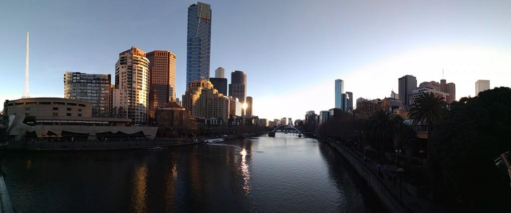 Melbourne ist so riesig. Überall Wolkenkratzer.